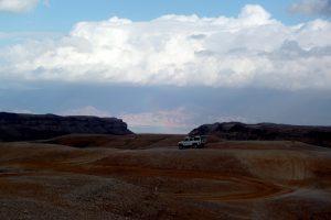 מרדף שיטפונות, טיול ג'יפים במדבר
